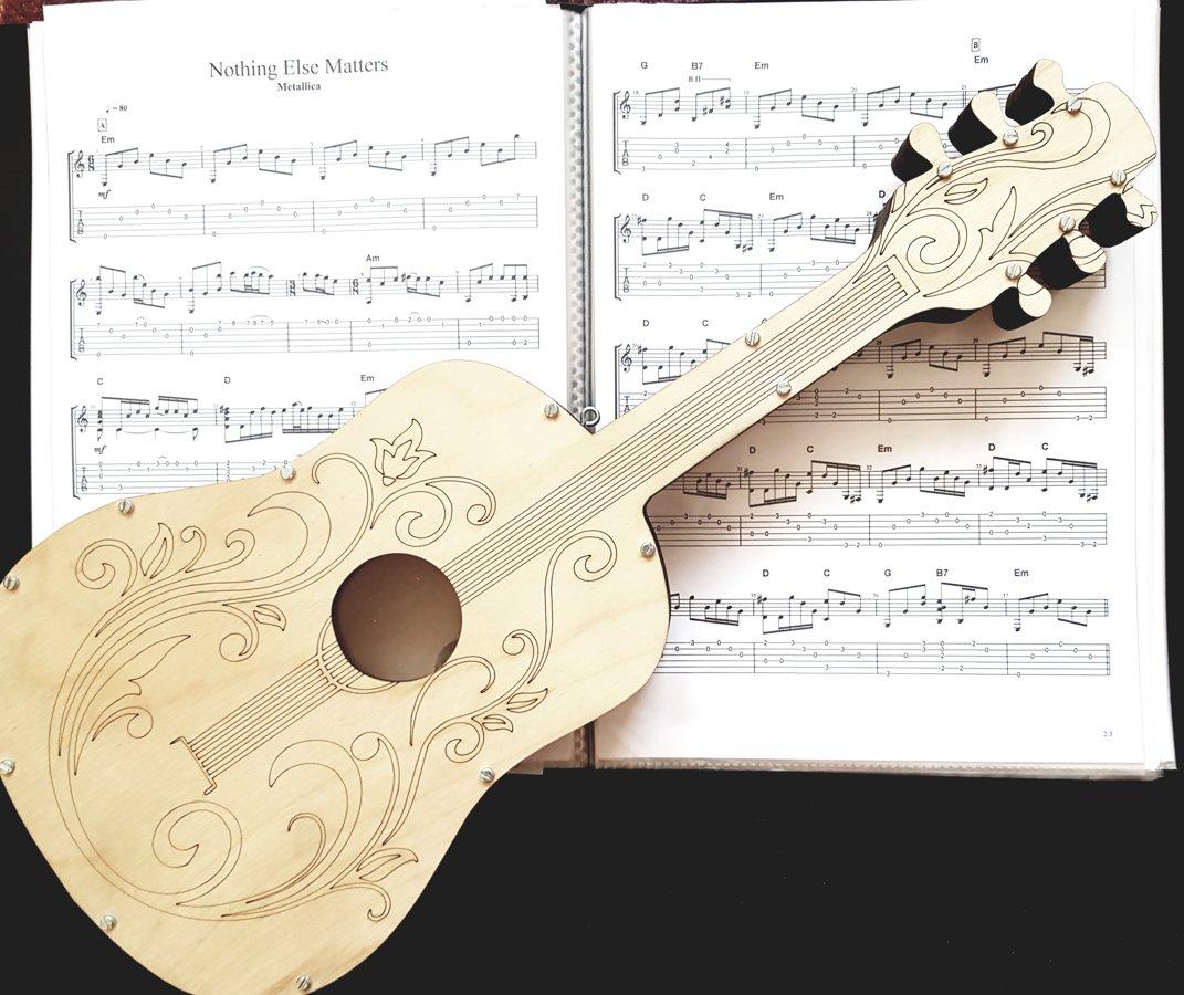 Koka krājkase ģitāra 50x20cm