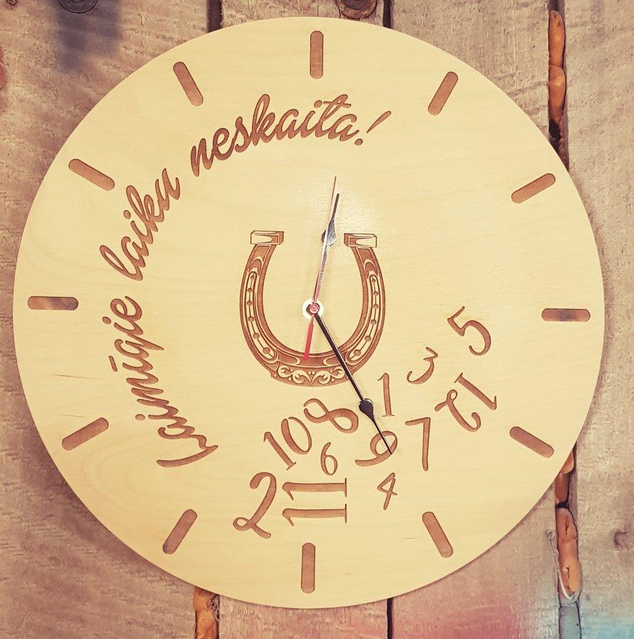 Koka pulkstenis 40 cm diam.